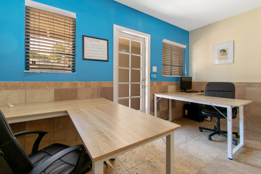 A brand new desk available for work at this downtown Phoenix office space